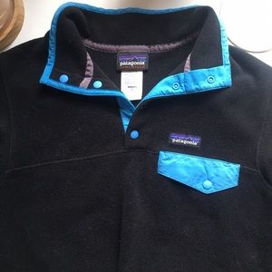 black & blue patagonia fleece